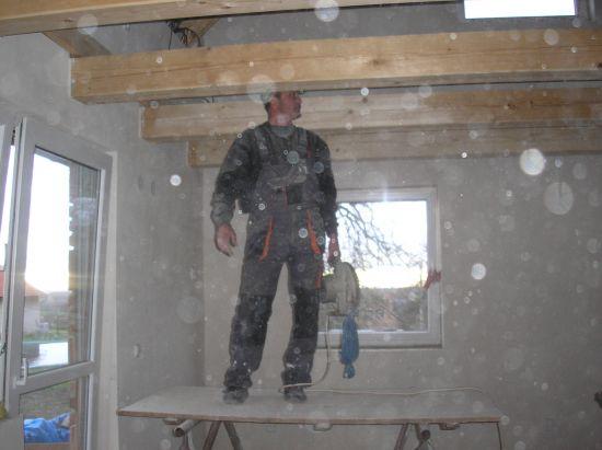 ....už i vevnitř se finišuje a to ke stropu....