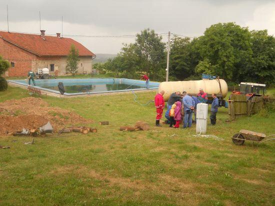 Čištení koupaliště + úprava vesničky